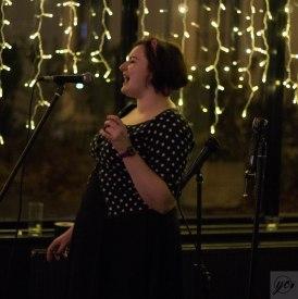 folk-singer_gs-1